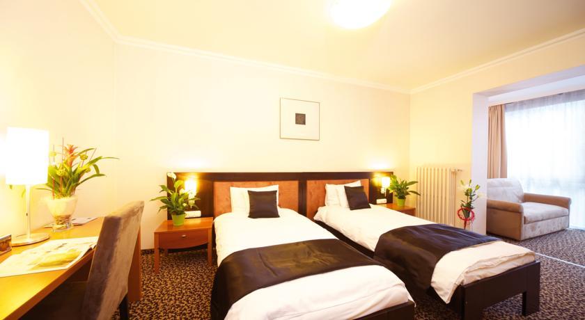 Image #7 - Hotel Ambra - Budapest