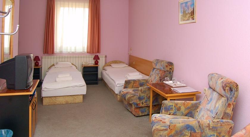 Image #2 - Hotel Apollo - Kecskemét