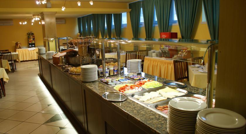 Image #10 - Hotel Aranyhomok - Kecskemét