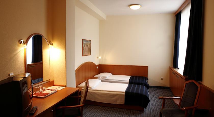 Image #5 - Hotel Benczur - Budapest