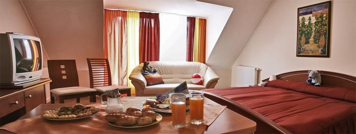 Image #1 - Triple M Hotel - Budapest