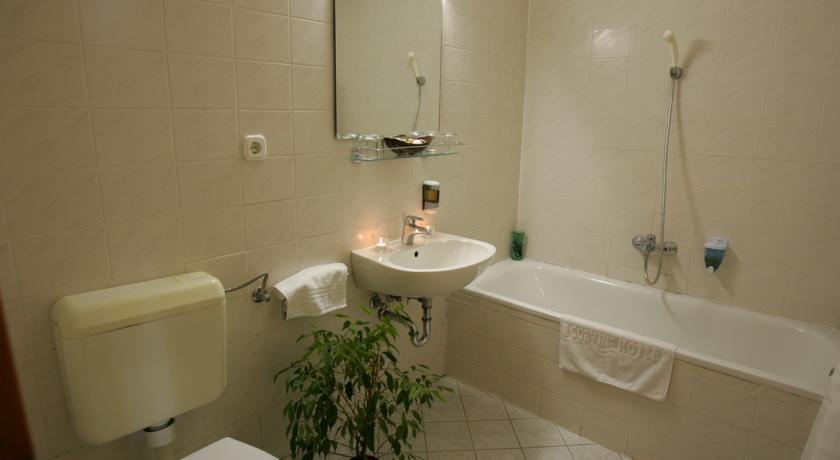 Image #4 - Hotel Corvin - Budapest