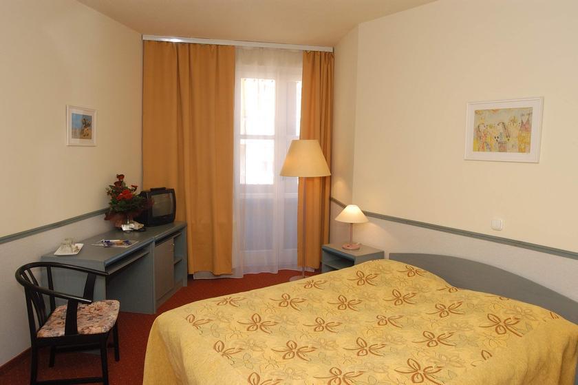 Image #5 - Hotel Corvin - Budapest