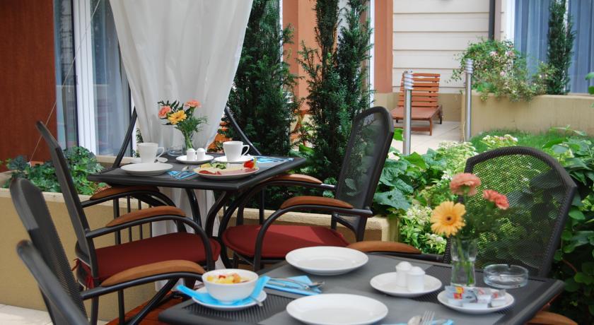 Image #3 - Fraser Residence - Budapest