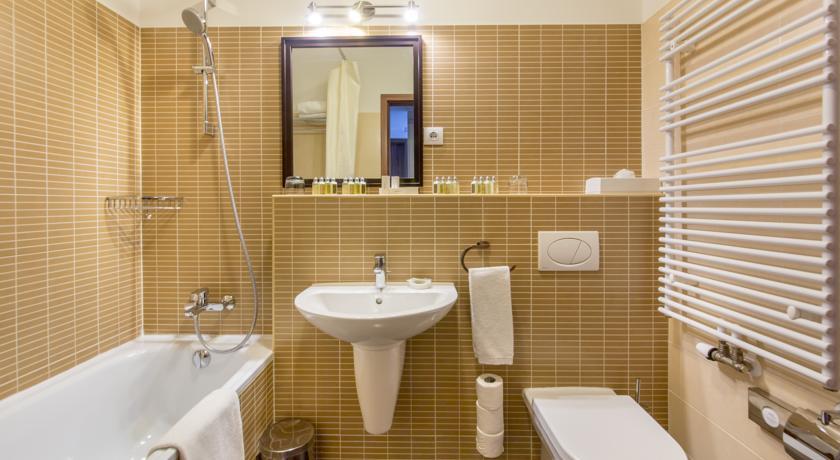 Image #11 - Fraser Residence - Budapest