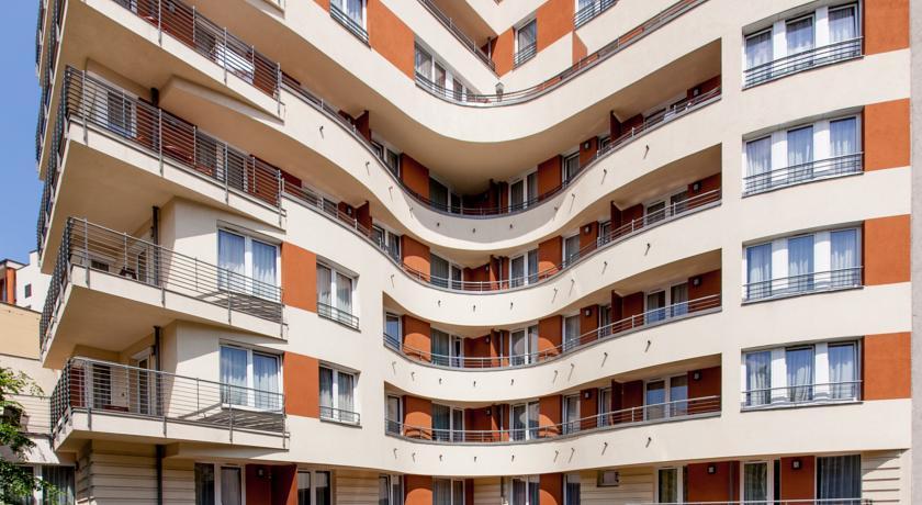 Image #17 - Fraser Residence - Budapest
