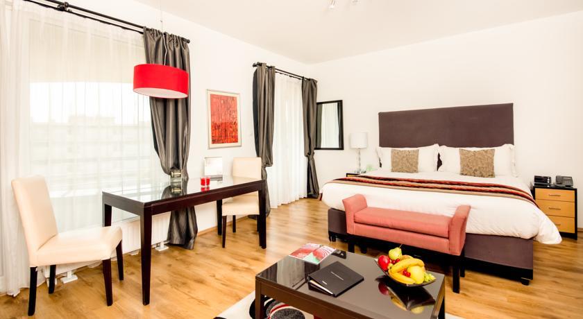 Image #19 - Fraser Residence - Budapest