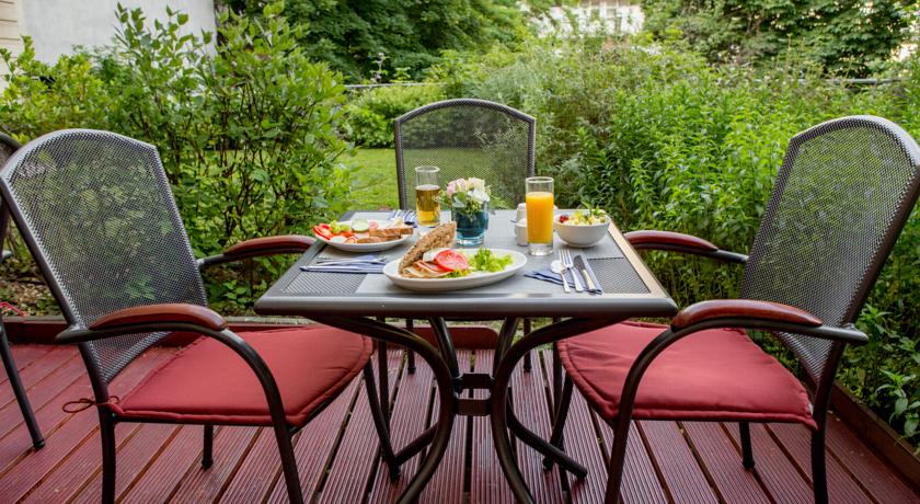 Image #20 - Fraser Residence - Budapest
