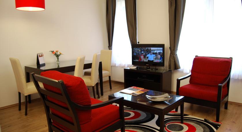 Image #24 - Fraser Residence - Budapest