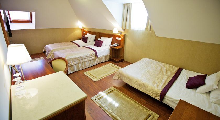 Image #2 - Gold Hotel Wine & Dine - budapest