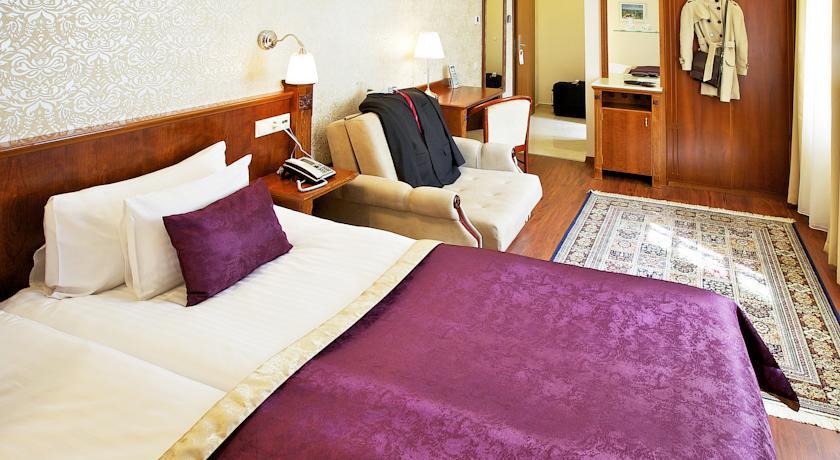 Image #3 - Gold Hotel Wine & Dine - budapest