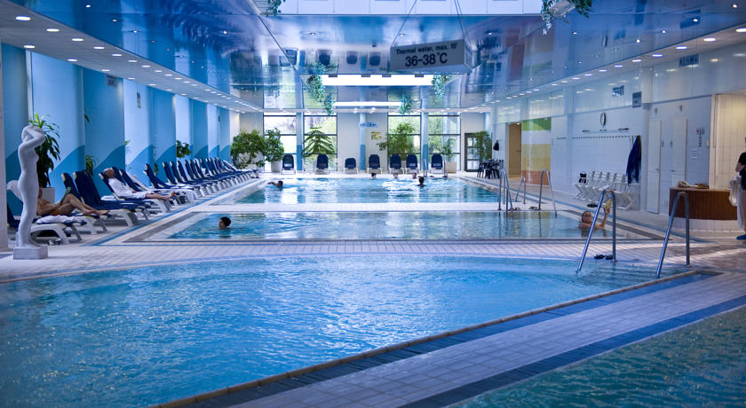 Danubius health spa resort helia budapest with view on - Margaret island budapest swimming pool ...