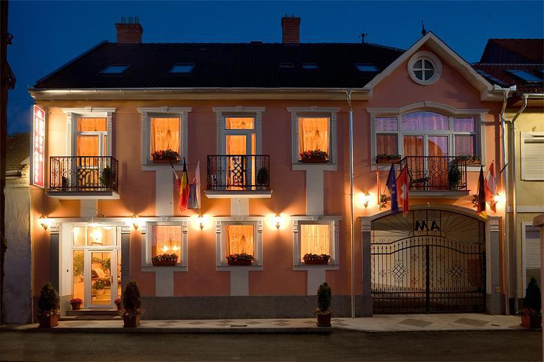 Image #1 - Hotel Isabell - Győr