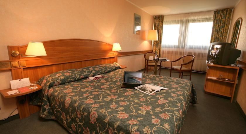 Image #2 - Mercure Budapest Buda Hotel - Budapest