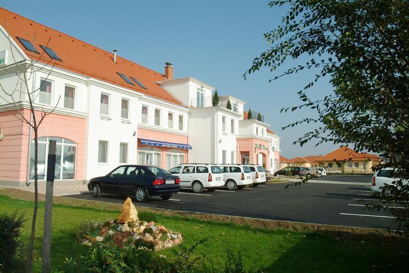 Image #1 - Hotel Platán - Debrecen