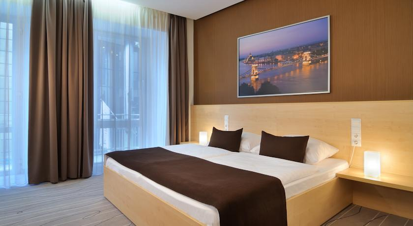 Image #2 - Hotel Promenade - Budapest